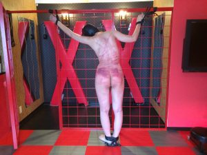 BDSM video whipping,misa 鞭打ち