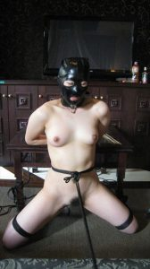 BDSM video Restraint on the table テーブルに拘束