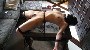 BDSM video Restraint on the table テーブルに拘束